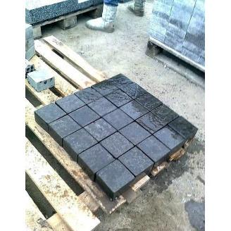 Тротуарна плитка базальтова 10х10х5 см чорна