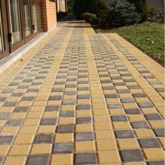 Тротуарна плитка Золотий Мандарин Квадрат малий 100х100х60 мм жовтий на сірому цементі