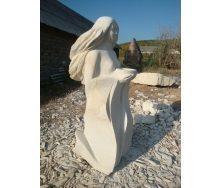 Скульптура Женщина с чашей из песчаника