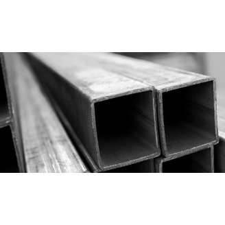 Труба профильная квадратная стальная 3сп5 50х50х2 мм
