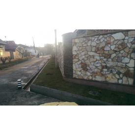Будівництво паркану з каменю липорит-дикий