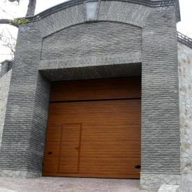 Ворота гаражні секційні Ryterna TLB woodgrain вузький гофр Golden oak