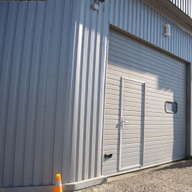 Ворота гаражні секційні Ryterna TLB woodgrain вузький гофр RAL 9006