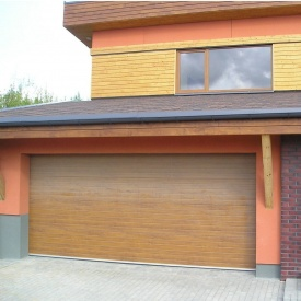 Ворота гаражні секційні Ryterna R40 woodgrain вузький гофр Golden oak