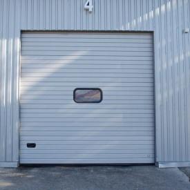 Ворота гаражні секційні Ryterna R40 woodgrain вузький гофр RAL 9002