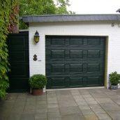 Ворота гаражные секционные Ryterna R40 woodgrain филенка RAL 6009