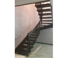 Лестница на больцах темно-коричневая