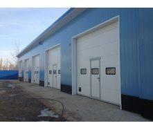 Промислові секційні ворота DoorHan серії ISD02 6500х6500х40 мм білі (RAL9010)