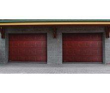 Гаражні секційні ворота DoorHan серії RSD01 2600х2400х40 мм махагон