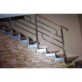 Модульні сходи Тріумф Захід з металевими поручнями і сходинками