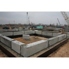 Строительство фундамента из бетонных блоков