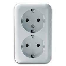 Розетка электрическая двойная с заземляющим контактом РС 16-002 белая