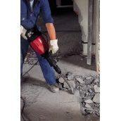 Демонтаж цементно-піщаної стяжки