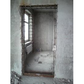 Демонтаж дверного проема в бетонной стене от 7 до 13 см
