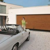 Ворота гаражные секционные Hormann RenoMatic 2500x2250 мм decograin Golden Oak