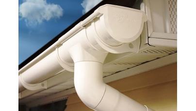 Водостічні системи з ПВХ: переваги і особливості