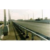 Стойка мостовая на цоколе без покрытия СМ оцинкованая 600 мм