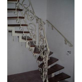 Изготовление винтажной деревянной лестницы