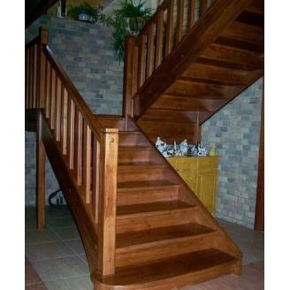 Изготовение лестницы из дерева на тетивах