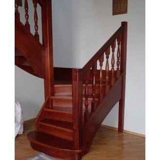 Изготовление стильной деревянной лестницы на тетивах