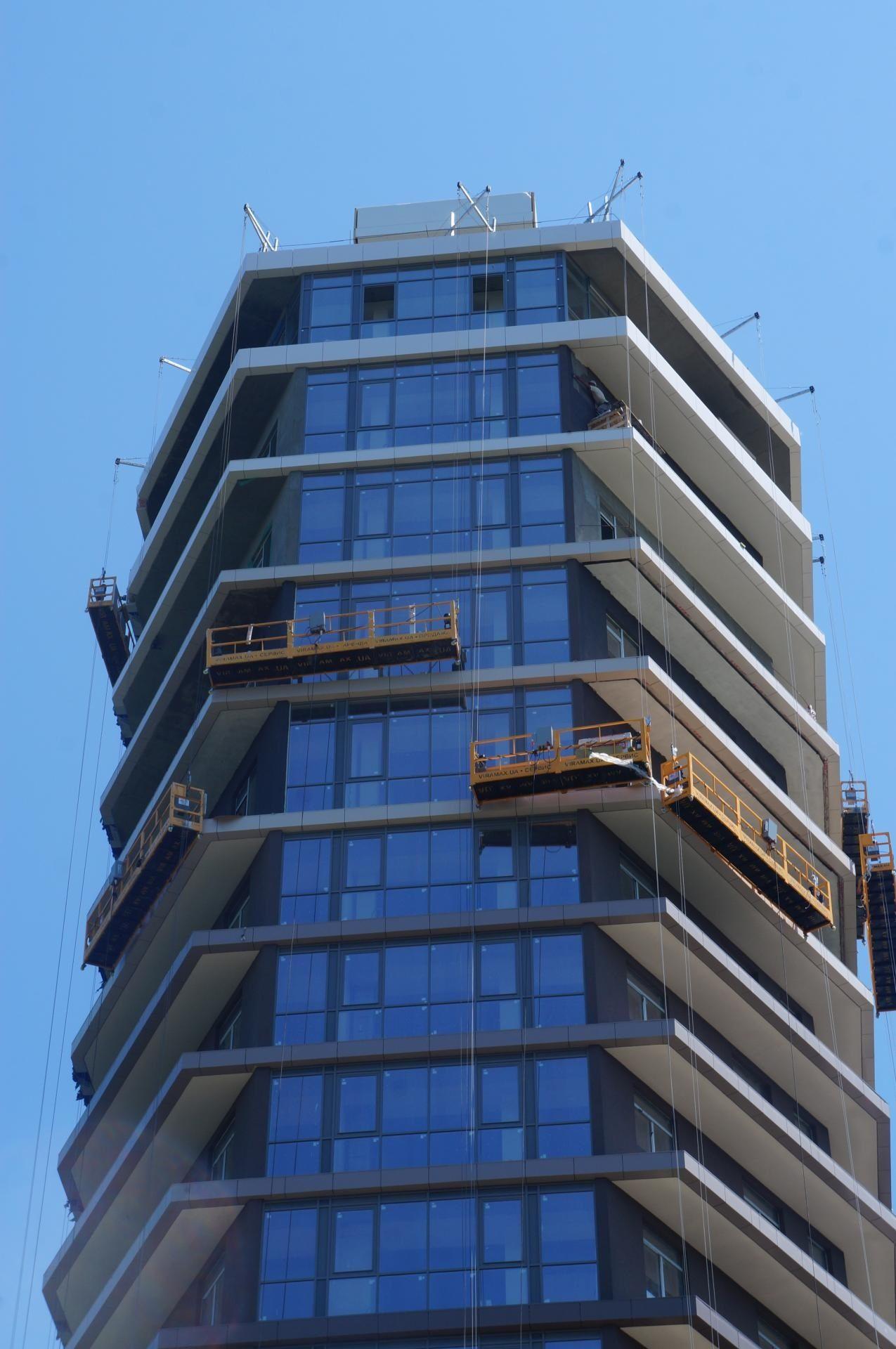г. Одесса, люлька zlp 630 остекление фасада высотного дома