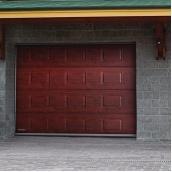 Гаражные секционные ворота DoorHan 2000х1800 RSD02 с торсионным механизмом