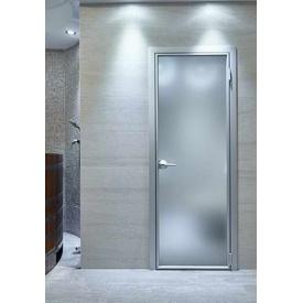 Изготовление одностворчатых распашных дверей из алюминия
