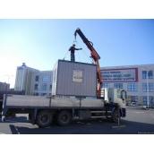 Перевозка киоска грузовиком с манипулятором