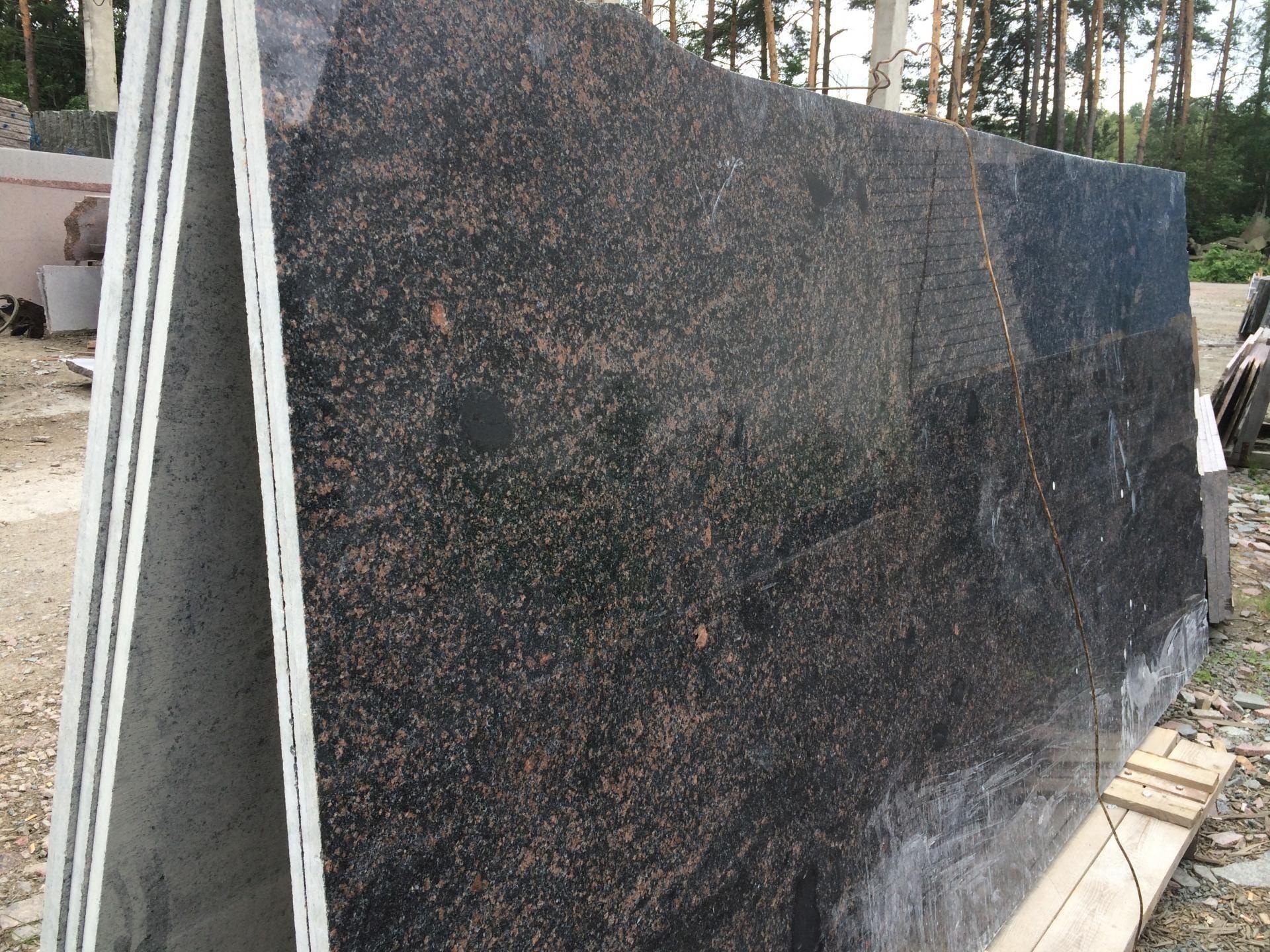 Полированый сляб Жаданского гранита — заготовка для подоконников
