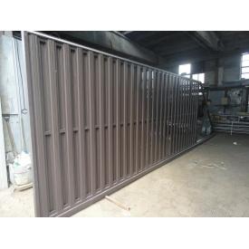 Ворота коричневые откатные из штакетного профиля с двухсторонней зашивкой