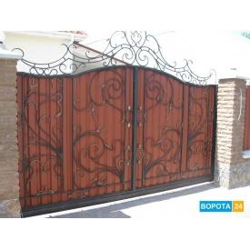 Распашные кованые ворота с профлистом