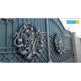 Распашные кованые ворота именные