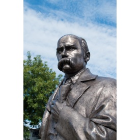 Скульптура монументальна Пам'ятник Т. Г. Шевченка литтєвий мармур 2,4 м