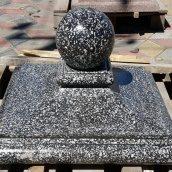 Бетонний ковпак на стовп МікаБет Квін з мармуровою крихтою 45х45 см сірий