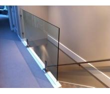 Стеклянное ограждение Студия закаленного стекла 1000х1000 мм