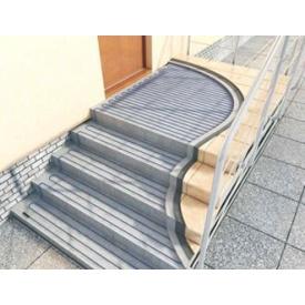 Монтаж системы стаивания снега-льда на ступеньках