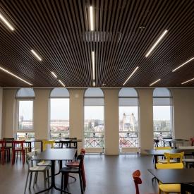 Реечный подвесной потолок кубообразного дизайна Rail Star алюминиевый имитация дерева
