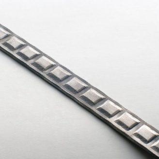 Художественный металлопрокат 20х4 мм (30.720)