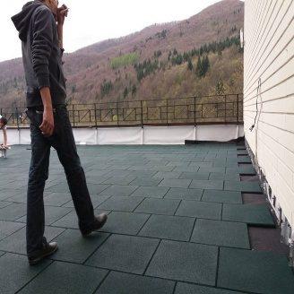 Гумова плитка для тераси RUBECO експлуатованої покрівлі