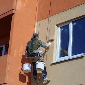 Покраска фасада с оштукатуренной поверхностью