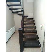 Изготовление деревянной лестницы с забежными ступенями
