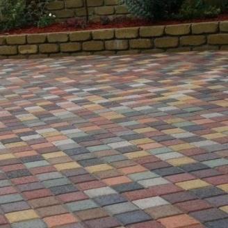 Тротуарна плитка Золотий Мандарин Квадрат малий 100х100х60 мм на сірому цементі червоний