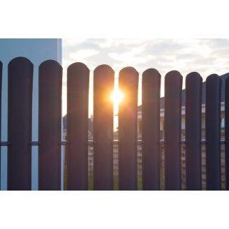 Забор евроштакетник полусфера металлический