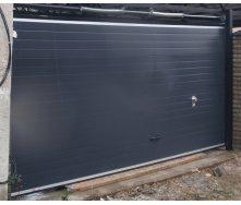 Гаражні секційні ворота KRUZIK Base 3000х2200 мм антрацит