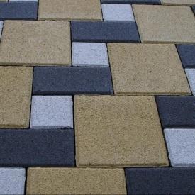 Тротуарна плитка Золотий Мандарин Квадрат великий 200х200х60 мм на сірому цементі гірчичний