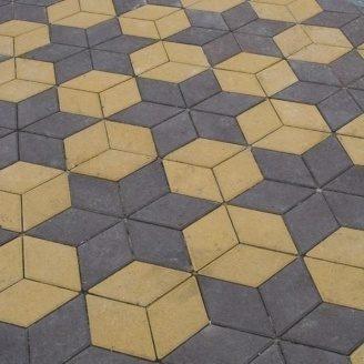 Тротуарная плитка Золотой Мандарин Ромб 150х150х60 мм на белом цементе желтый