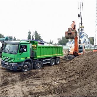 Вивезення ґрунту та будівельного мусору