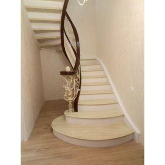Виготовлення дубових спіральних сходів