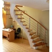 Изготовление лестницы из дуба на бетонном косуоре