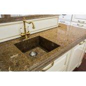 Кухонна стільниця з кварцового агломерату
